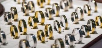 Connaître les bijoux sur les doigts de la main