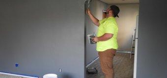 Comment préparer un mur pour la peinture d'apprêt